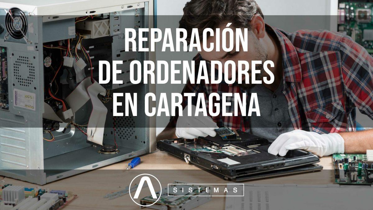 imagen de técnico reparando un portátil